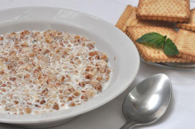 Самые полезные каши на завтрак: гречневая каша