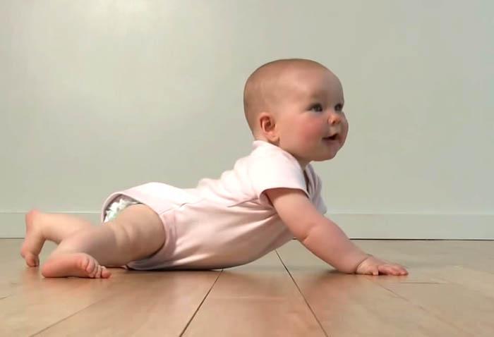 ФОТО Развитие детей до года по месяцам: 5 месяцев