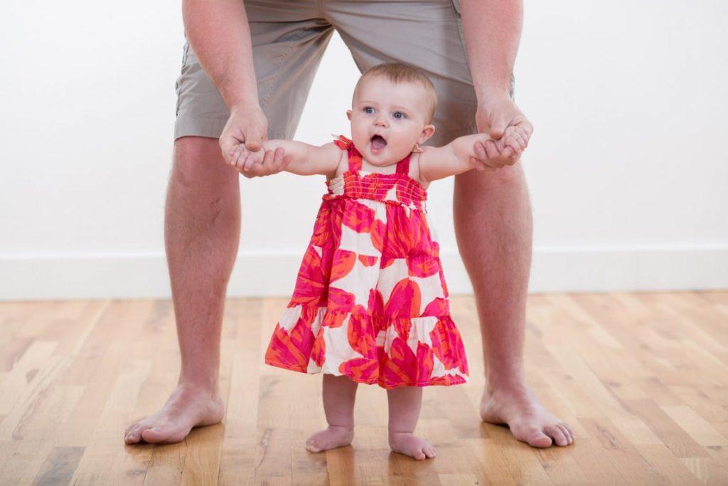 Физическое развитие в 11 месяцев девочка фото