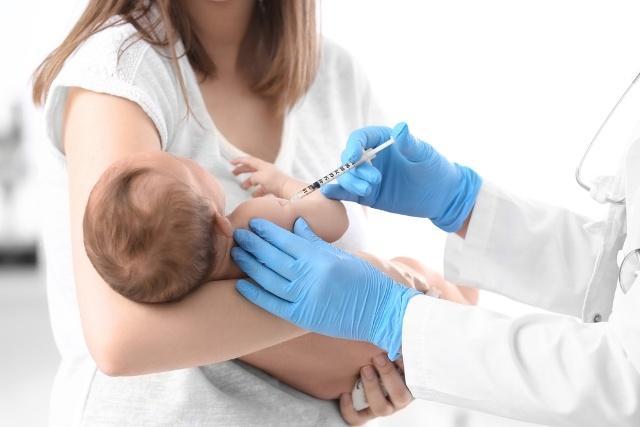 прививка в роддоме