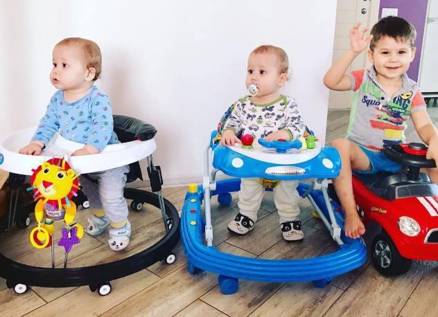 С какого возраста можно сажать в ходунки ребенка