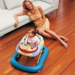 Ходунки: польза и вред для детей