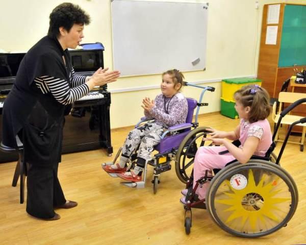 Работа музыкального работника с ребенком с ОВЗ