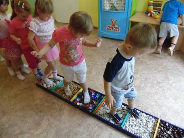 Как сделать дорожку здоровья для детского сада безопасной