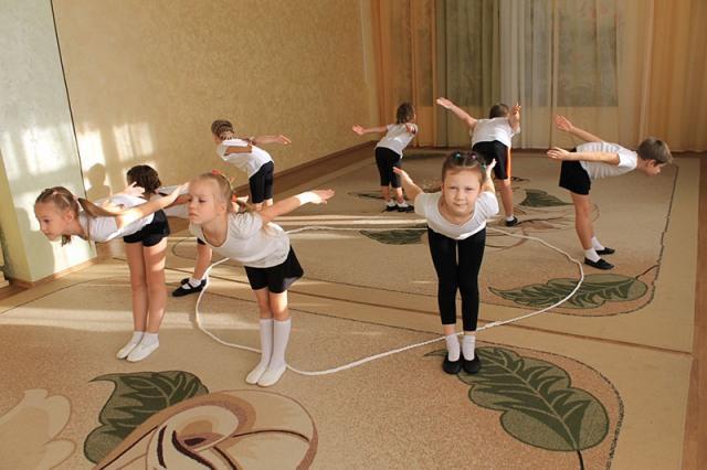 Утренняя зарядка для детей в детском саду, упражнения