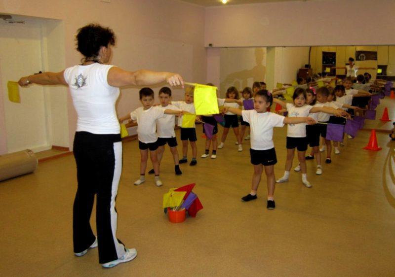 Режим дня в детском саду: утренняя гимнастика