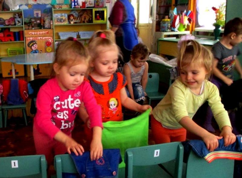 Режим дня в детском саду: подгтовка ко сну