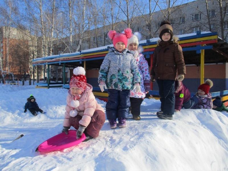 Проведение прогулок с детьми дошкольного возраста зимой