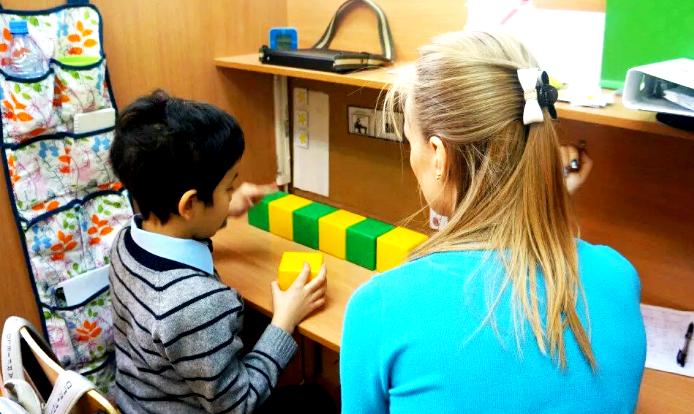 Ребенок аутист в детском саду какие занятия нужны