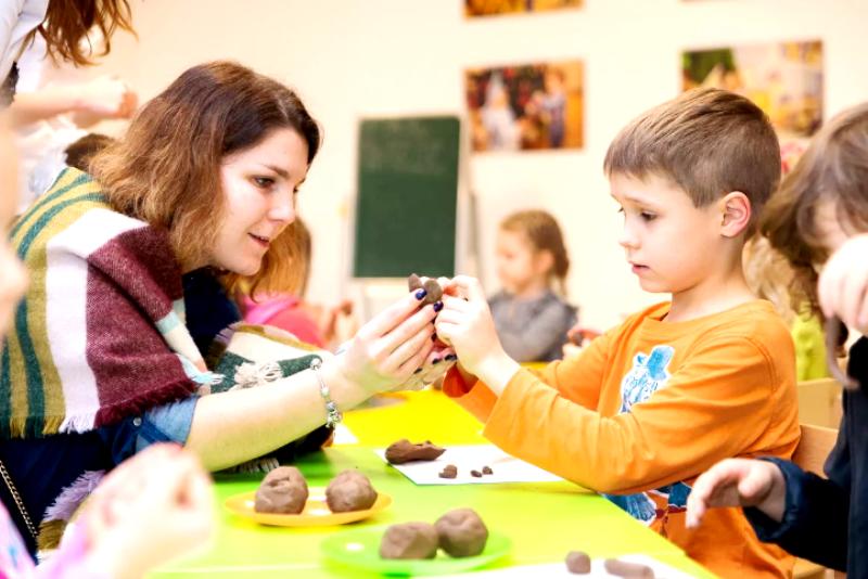 Ребенок аутист в детском саду с обычными детьми